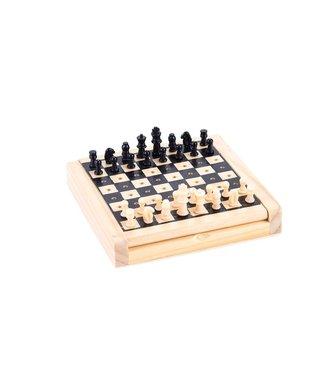 Schaak Klein met kunststof schaakstukken. Afm. 12 x 12 cm.