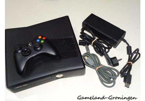Xbox 360 Slim 300GB met Controller & Bedrading (Mat)