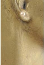 Verfügbarkeit auf Anfrage Ohrstecker mit Button Perle