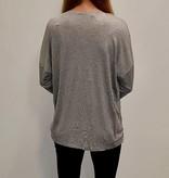 Shirt met ster en diamantjes - grijs