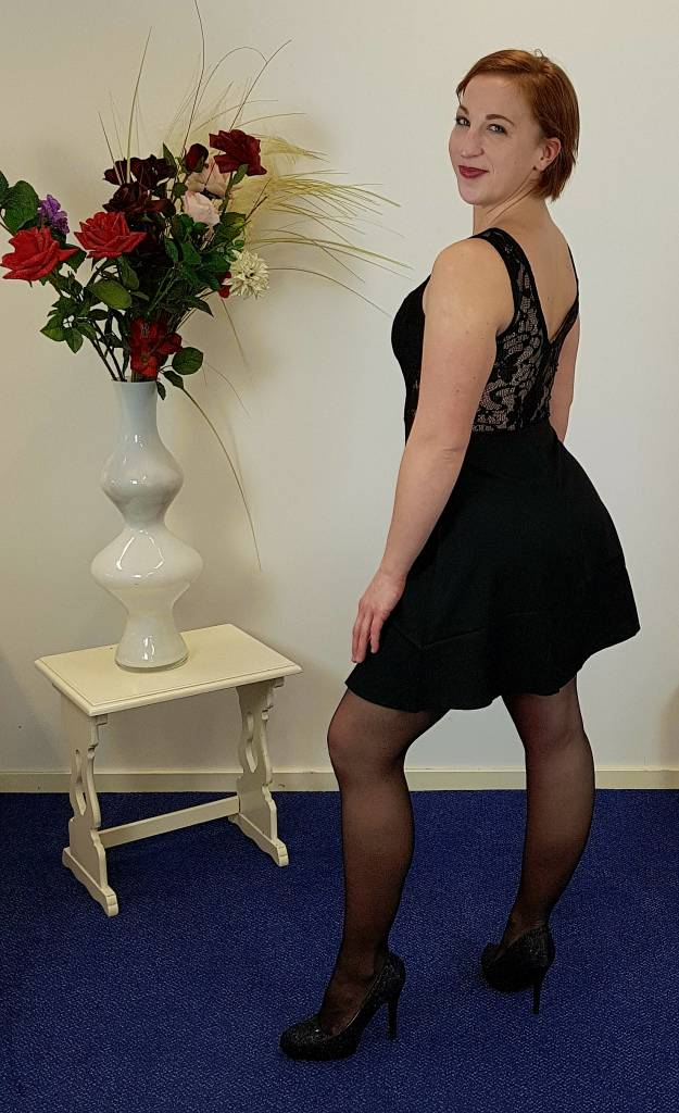 Zwarte mini jurk met kant