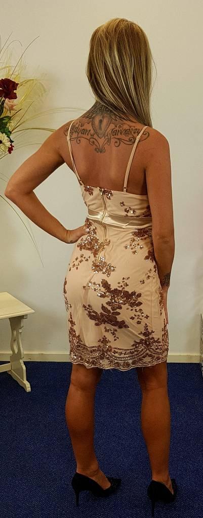 Kenancy Goudkleurig jurk met lovertjes