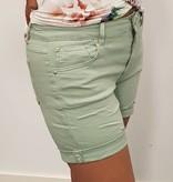Monday Licht groene korte broek