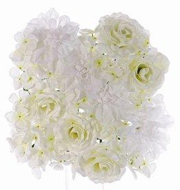 Cuadro con un mix de flores, Rosas 5x, Dalia 4x, Hortensia (fundo 25 x 25cm)