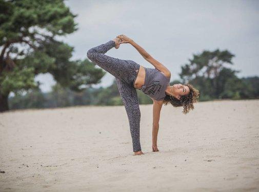 Urban Goddess Yoga Broek Life is a Dance Anjali/Volcanic glass
