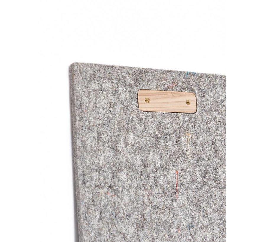 LABEL/BREED Wool & Bio-Based Plastic Carpet by CHRISTIEN MEINDERTSMA & Enkevwol grijs rooster