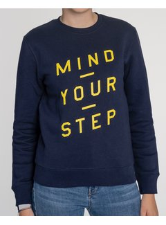Chicken or Pasta Sweater Mind your Step - Navy en Gele Opdruk