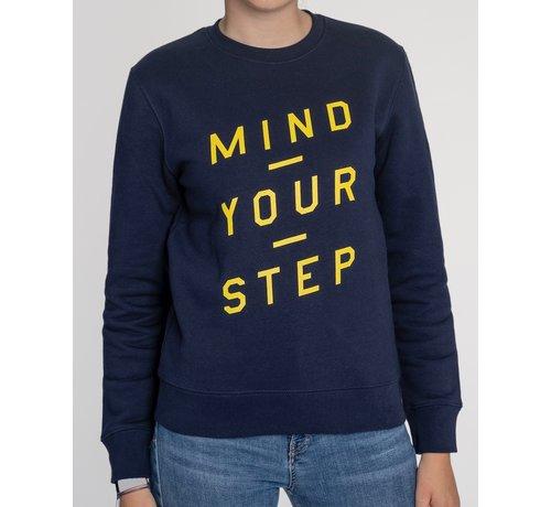 """Chicken or Pasta Chicken or Pasta Sweater """"Mind Your Step"""" - Navy en Geel"""