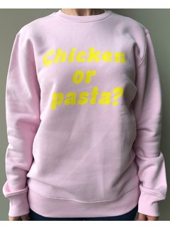 Chicken or Pasta Sweater Chicken or Pasta - Pink en Gele Opdruk