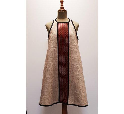 Sylvia Calvo BCN Bombonet - Uniek Jurkje gemaakt van koffiezakken en reststoffen uit de modeindustrie