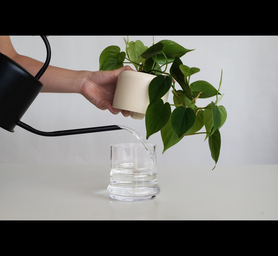 Plantenpot met ingebouwde waterreservoir