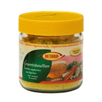 Groentebouillon in glas