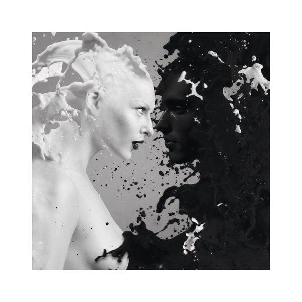 Schwarz & Weiß Zwei Frauen - Gerahmtes Bild 53 x 53 cm