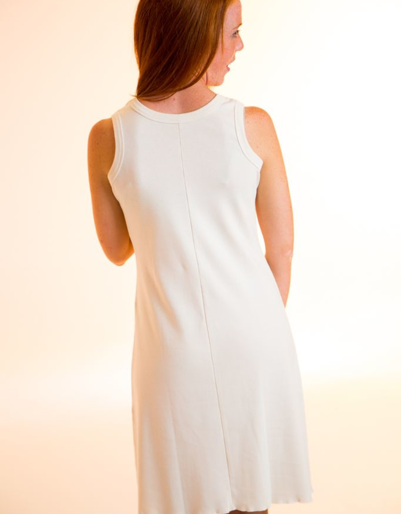 Short sleeveless dress fo woman