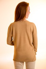 Short woman sweater v-neck and long sleeves