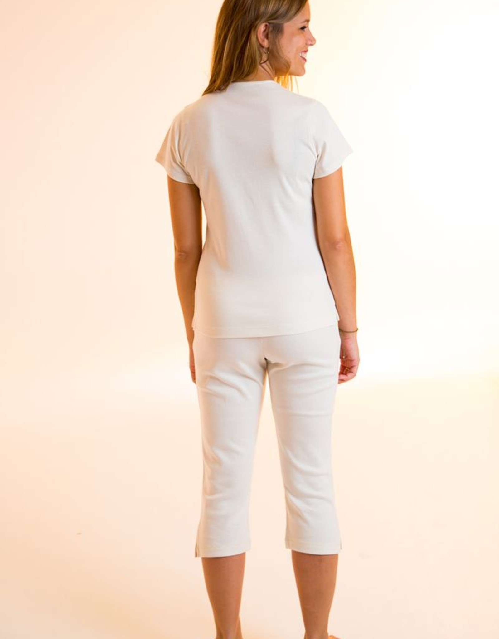 Short sleeve shirt with round neck for woman