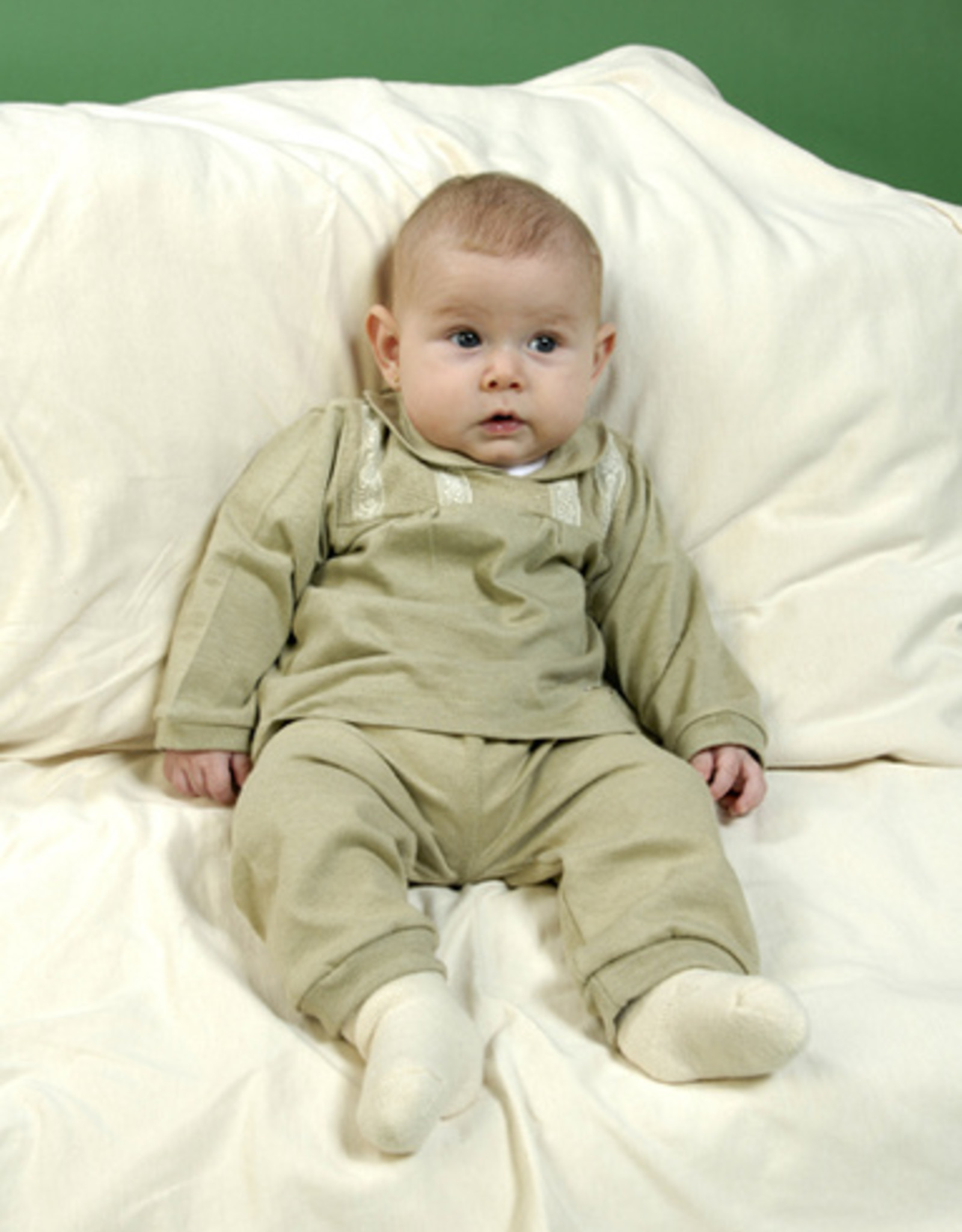 Long-sleeved baby blouse. sizes 12, 18, 24 months.