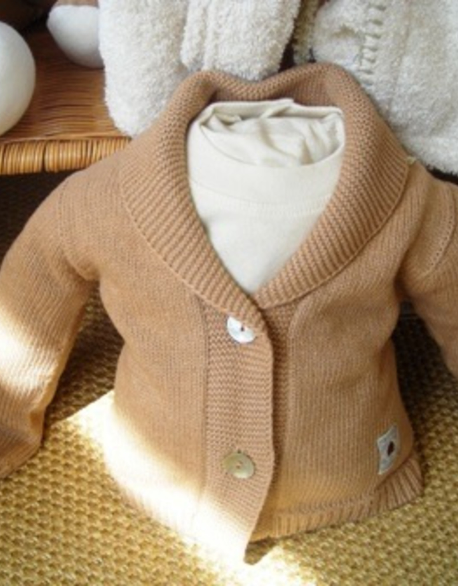 2 buttons jacket for baby. sizes 1 - 3 - 6 months