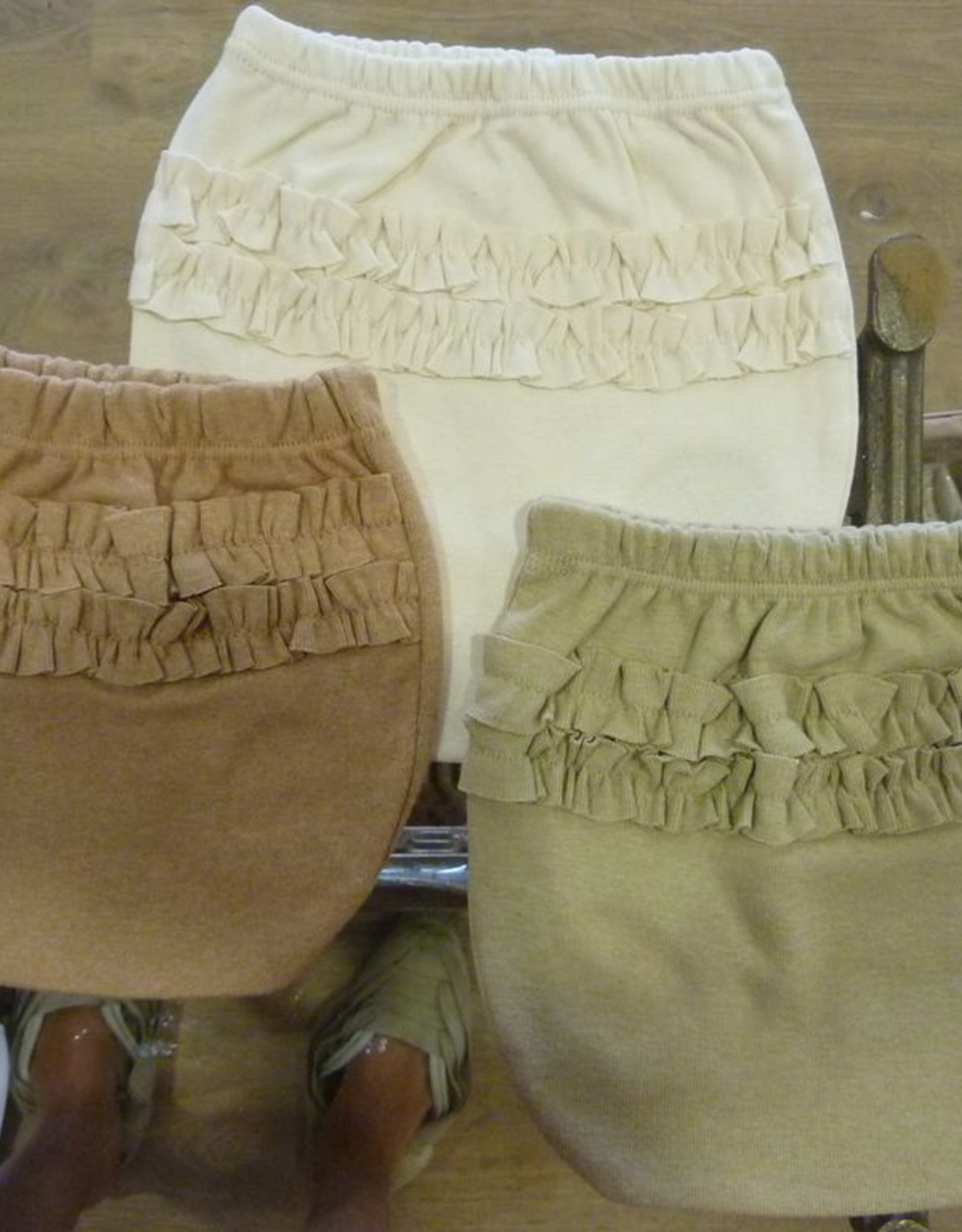 Baby diaper with frills. sizes 1, 3, 6 months.