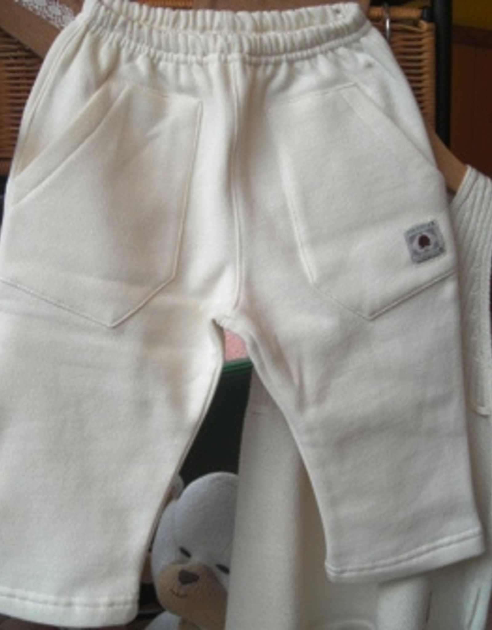 Plush baby trousers with pockets. sizes 1-3-6 months