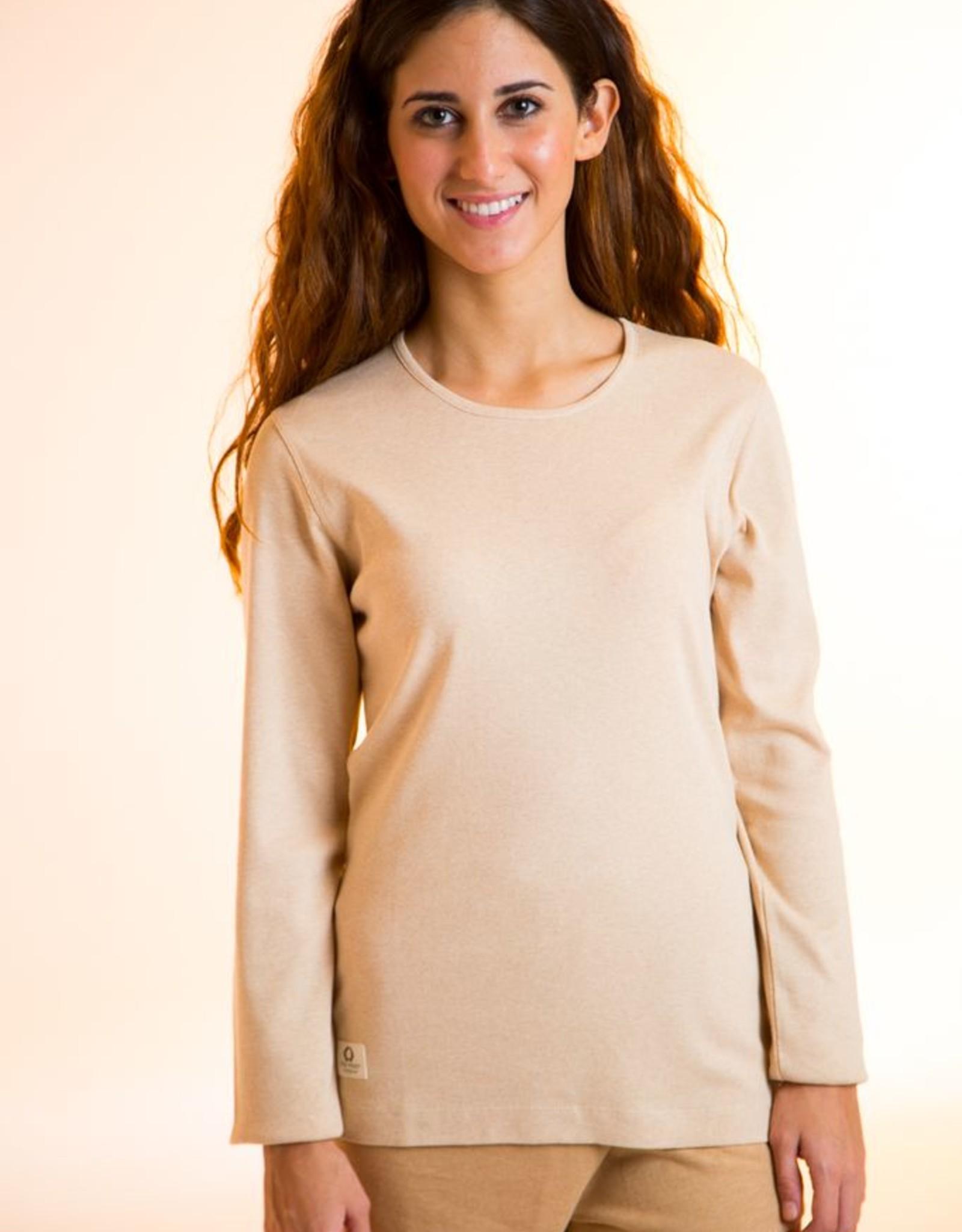 Camiseta mujer con cuello redondo y manga larga.