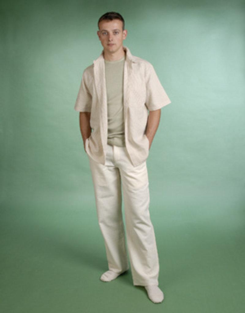 Men short sleeves shirt with a pocket.