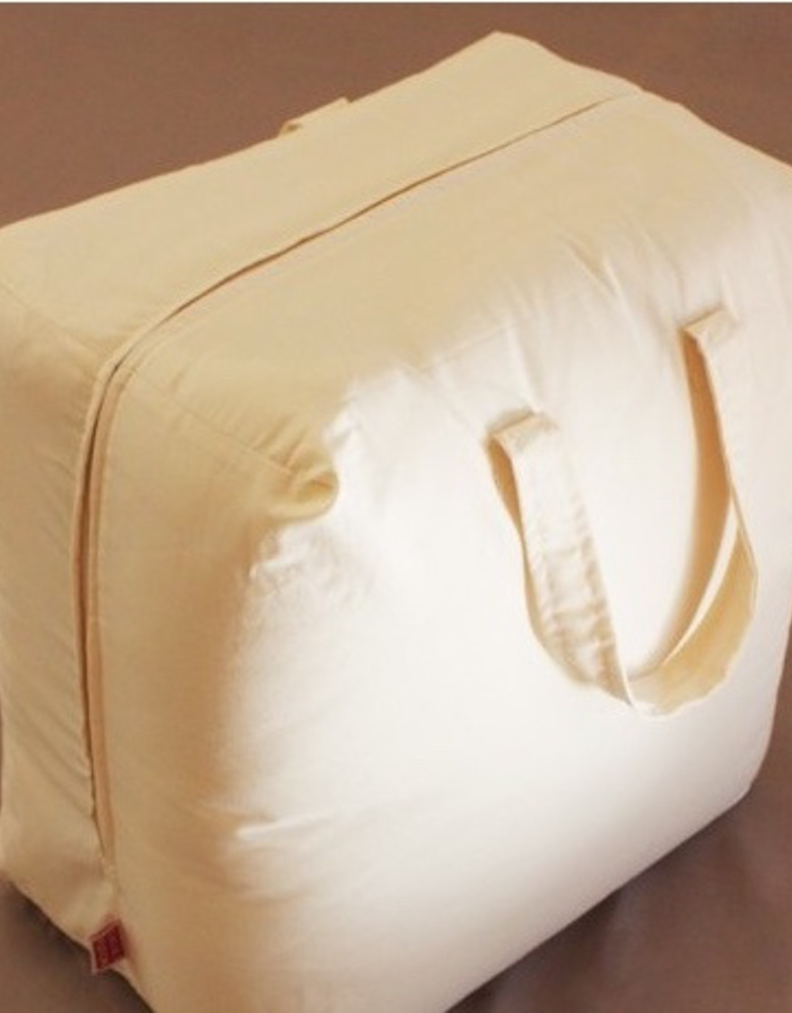 Quilt filled with 100% organic cotton bag 250gr.