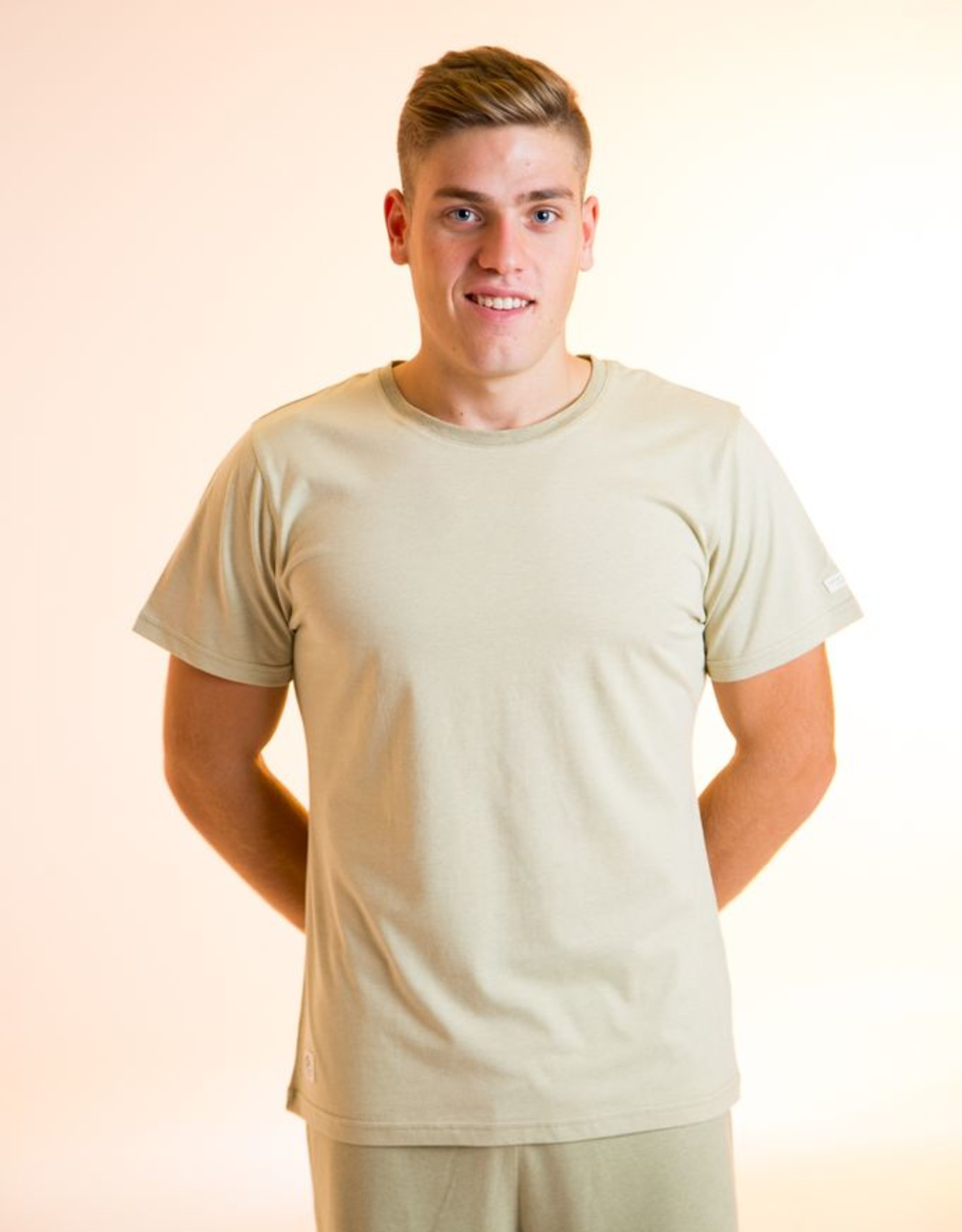 shirt with short sleeves for men.