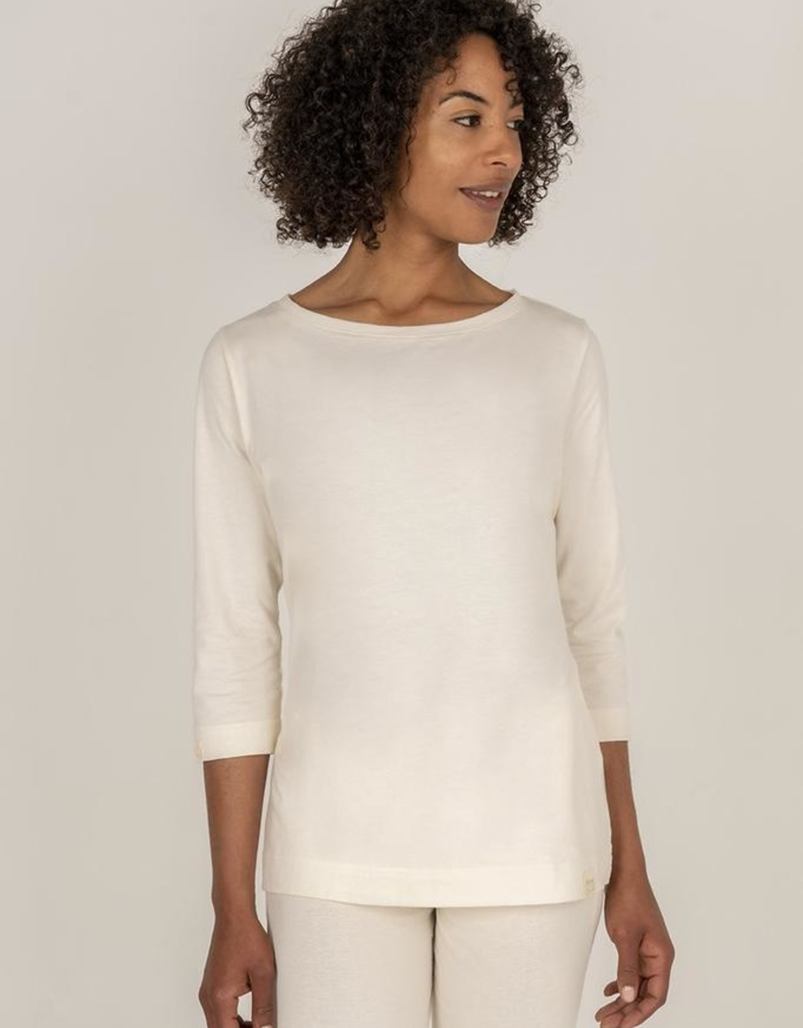 Capri sleeve shirt for women with boat neck