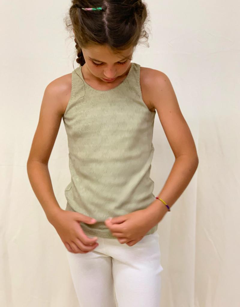 Camiseta junior calada con tirantes. Tallas 2, 4, 6.
