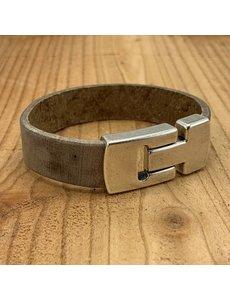 Scotts Bluf Bruine echt leren heren armband met gave magneetsluiting.