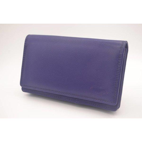 Arrigo In deze volledig uit leer vervaardigde anti skim portemonnee bergt u uw pasjes altijd veilig op.