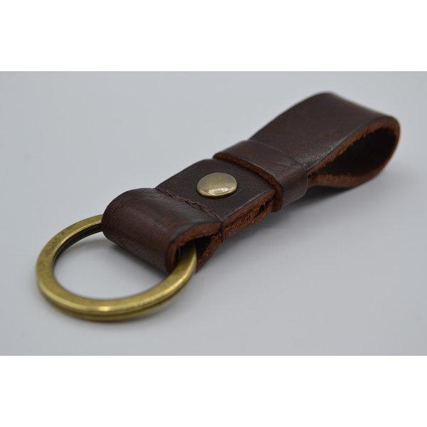 Scotts Bluf Deze bruine vintage sleutelhanger is te personaliseren met 30 karakters of een logo.