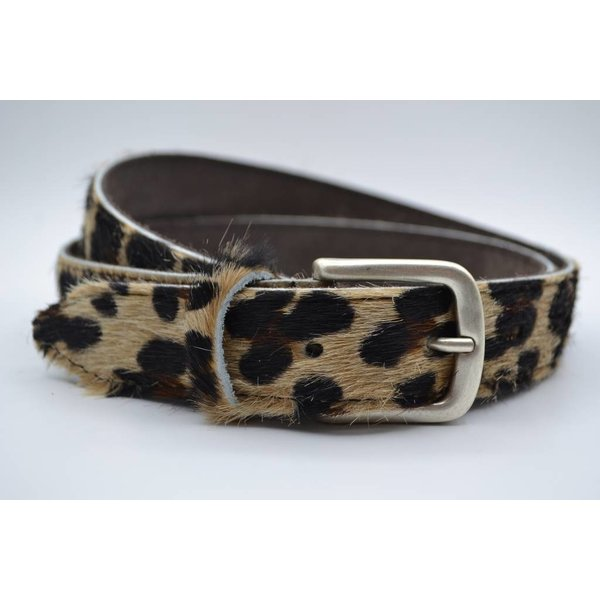 Scotts Bluf Leuke 3cm brede riem van koehuid met een luipaardprint en rustige gesp