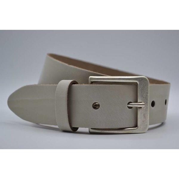 Big Belts Deze 4cm brede ecru riem wordt speciaal voor u op maat gemaakt.