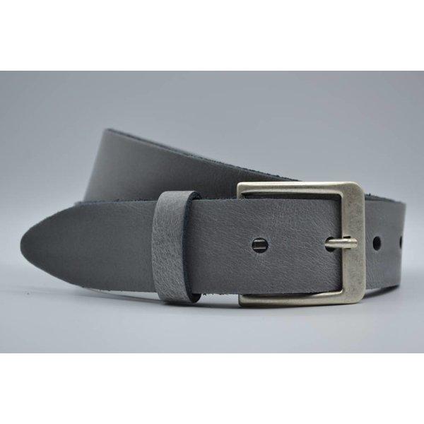 Big Belts Deze 4cm brede licht grijze riem wordt speciaal voor u op maat gemaakt.