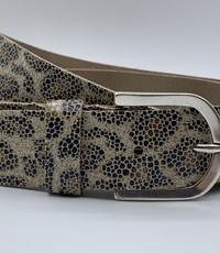 Scotts Bluf Zand kleurige panterprintriem met oud zilveren gesp 35mm breed.