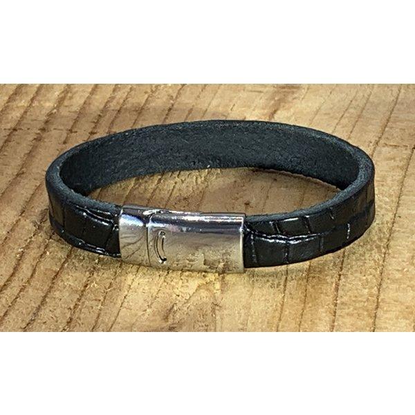Scotts Bluf Zwarte armband met magneetsluiting en krokodillen print.