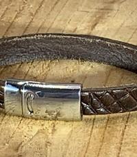 Scotts Bluf Armband bruin met krokodil print.