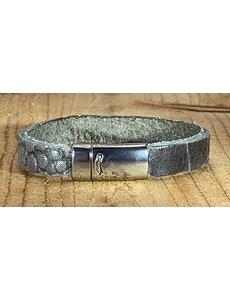 Scotts Bluf Armband grijs met krokodil print.