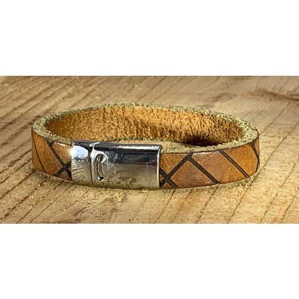 Scotts Bluf Cognac armband vintage gewassen en gelaserd met leuke print.
