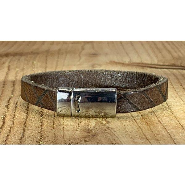 Scotts Bluf Bruine armband vintage gewassen en gelaserd met leuke print.