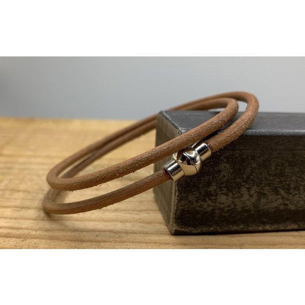 Scotts Bluf Smalle dubbel armband van 3mm dik rondleer. Verkrijgbaar in 9 kleuren.