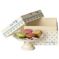 Macarons op Cakestand