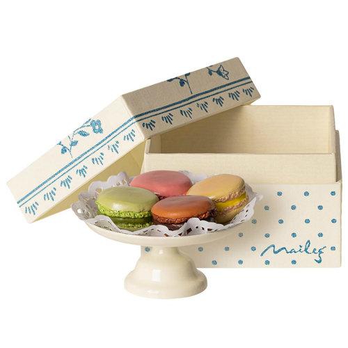 Maileg Macarons op Cakestand