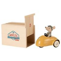 Kleine Broer Muis in Auto met Garage Geel