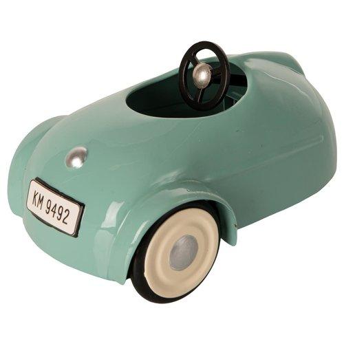 Maileg Kleine Broer Muis in Auto met Garage Blauw