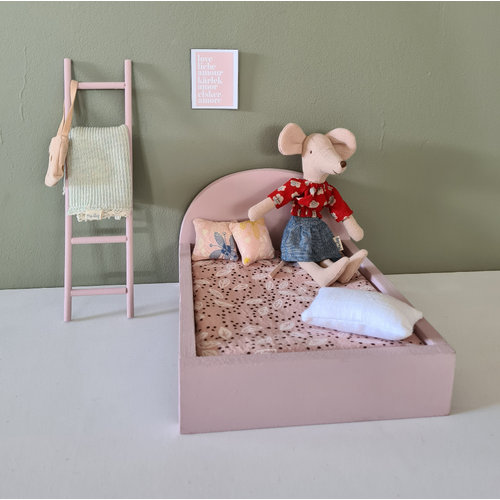 Project Dollhouse Bed voor Maileg muisjes Groot - Precious Pink