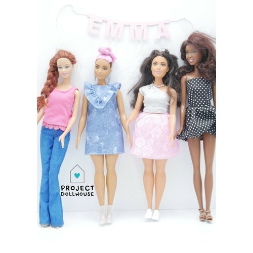 Project Dollhouse Naam Slinger Barbie formaat