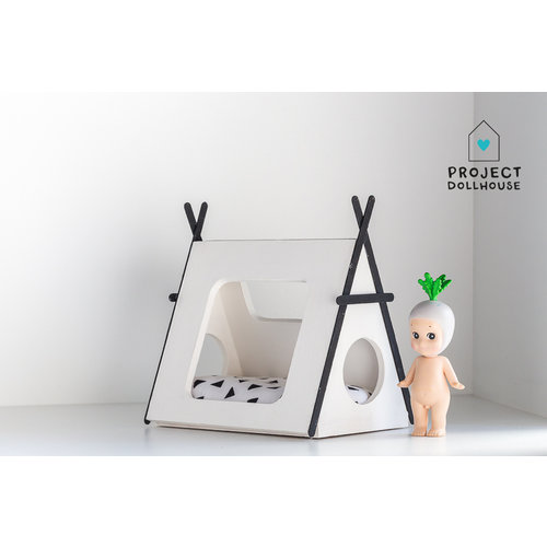 Project Dollhouse Tipi bed zwarte details